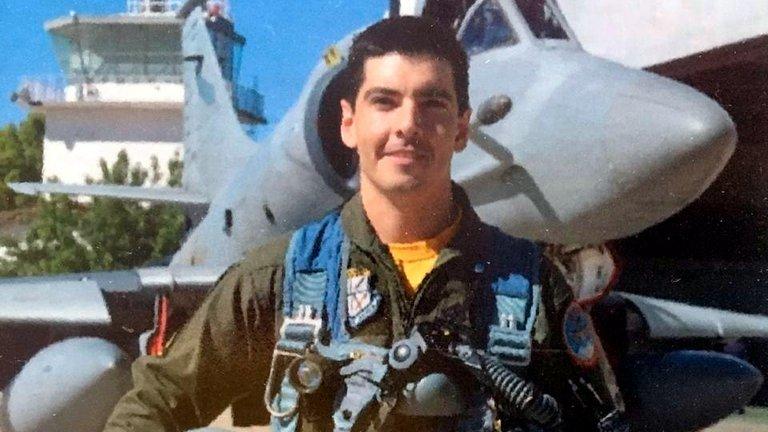 Revelaron la causa de la muerte del piloto de la Fuerza Aérea que se eyectó antes del impacto